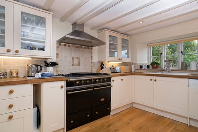 Ground floor: Fully fitted kitchen with Rangemaster cooker