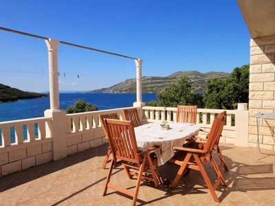Photo for Four bedroom apartment with terrace and sea view Tri Žala, Korčula (A-558-c)