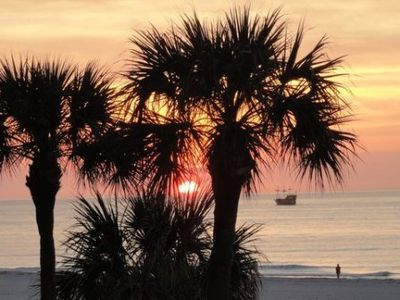 Photo for LHT-304 AFFORDABLE LUXURY DIRECTLY ON THE GULF  OF MEXICO.