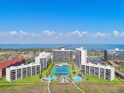 Photo for Ocean Front Condo on 10th Floor! Great Beach Views, Multiple Pools, Tennis Courts, & much More!