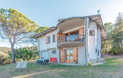 Photo for 5 bedroom accommodation in Paciano (PG)