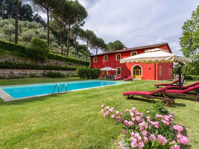 Photo for Tuscan country-home with private lake,pool,gym,wifi,air-conditioning,tv-sat