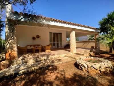 Photo for Beautiful villa in Posto Rosso, a walk from the sea and 2 km from the sandy beach.