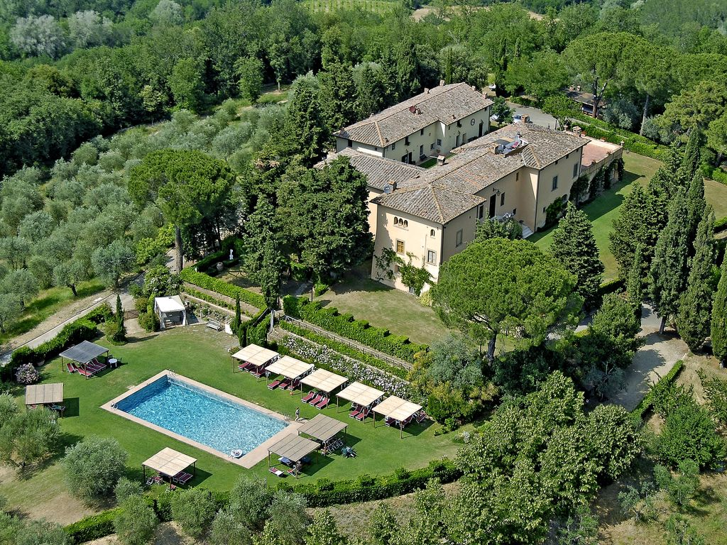 Holiday homes in tuscany large swimming po vrbo - Large holiday homes with swimming pool ...
