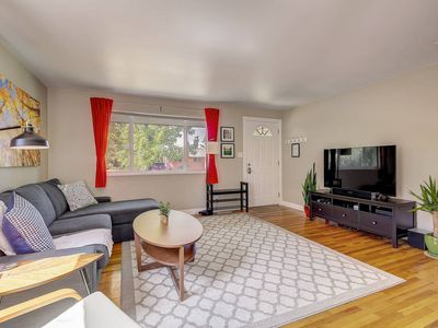 Photo for Beautifully Remodeled! Private park! Close to CU!