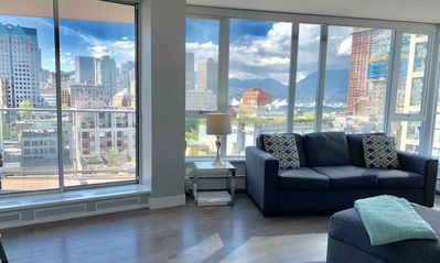 Photo for Gorgeous  Views, Downtown , 2 Free Parking