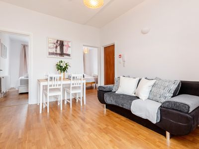 Photo for Quiet, stylish, 2 bedroom, 6 mins walk Clapham Junction