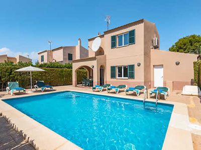 Photo for Large Villa w/pool, BBQ & free a/c, minutes from Cala Blanes
