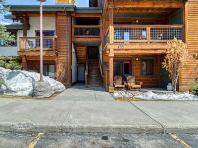 Photo for Walkable, ground-level condo w/ patio & shared hot tub - on the bus route!