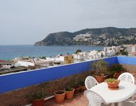 """The flat is in the middle of town. The upper terrace is fantastic. Easy to feel """" at home""""."""