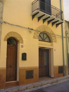 Air-conditioned accommodation, 100 square meters, great guest reviews