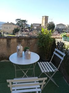 Photo for 3 Pers Beautiful family home with magnificent views of the rooftops
