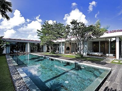 Photo for Ziva Luxury, 3 Bedroom Villa, Near Eat Street, Seminyak