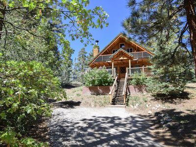 Knotty by Nature: Wood Burning Fireplace! Close to Bear Mountain! Pet Friendly! Wood Floors!