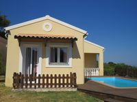 A beautiful villa, maid service excellent. Brilliantly equipped . Stunning views. Great pool.