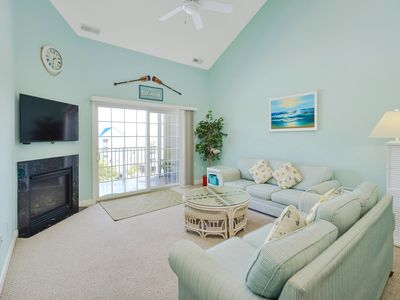 Photo for Large Top Floor Condo Downtown.  1  Block to Boardwalk, Beach, Jolly Roger Pier