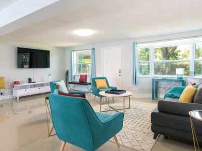 Photo for Tropical House 3 Bedrooms with Pool in Oakland Park
