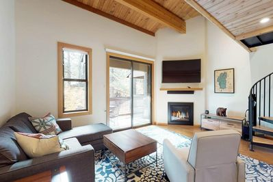 Enjoy the open & modern great room layout including gas fireplace, large flatscr