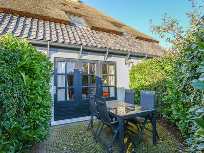 Photo for Charming lodge in the former fishing village of Oost on Texel