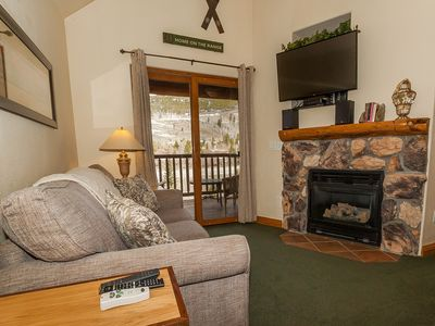 Photo for Vaulted Ceilings, King Bed, Spacious Balcony, Nearby Shuttle, Free WIFI