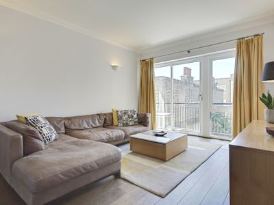 Photo for Lovely 2Bed Apt just 2mins to Brick Lane