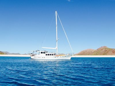 Photo for Stay overnight aboard or choose a Crewed Day Excursions or Overnight Charters