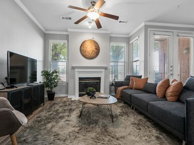 Photo for One Bedroom Apartment In Uptown Dallas + Amenities