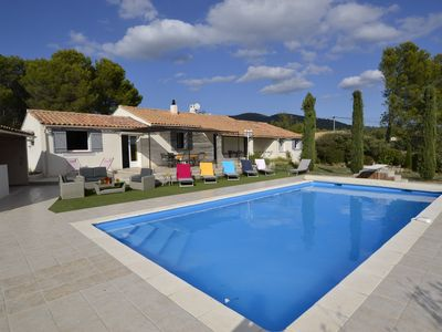 Photo for Villa with pool in LUBERON, 4 bedrooms, 8 pers, in PUGET near LOURMARIN