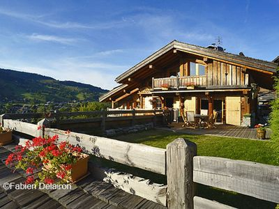 Photo for Very beautiful chalet with stunning views, walking distance of the resort center