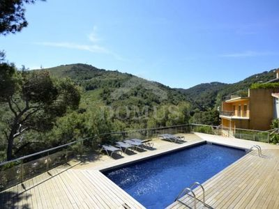 Photo for 4 bedroom Apartment, sleeps 7 with Pool and Air Con