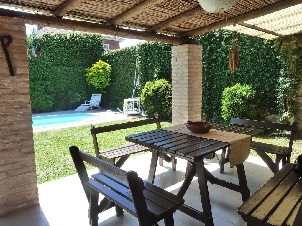 Beautifull 5 bedroom home with pool yerba buena province for 5 bedroom house with pool
