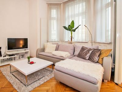 Photo for Apartment Romantic Living in Wien/12.distrikt - 4 persons, 1 bedrooms
