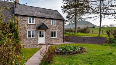 Photo for Gwyn's Old Cottage - Three Bedroom House, Sleeps 6
