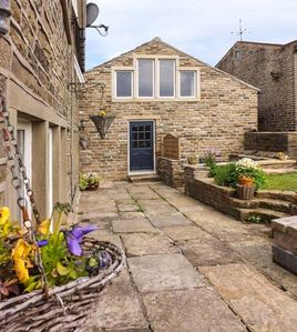 Photo for ASH TREE BARN, pet friendly, with a garden in Luddenden, Ref 918034