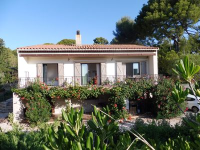 Photo for Charming villa with sea view, very quiet and shaded, 3 bedrooms
