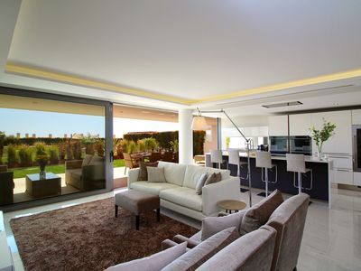 Photo for Luxury state of the art, spacious apartment - Palms nº 13