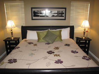 BEAUTIFUL MASTER SUITE WITH KING SIZE SLEIGH BED.