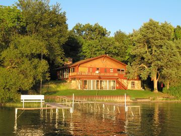 Laid Back Lakefront Cottage--Enjoy a Fun Family Vacation on Powers Lake
