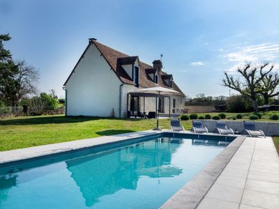 Photo for Rocamadour, beautiful authentic home with large garden and private swimming pool