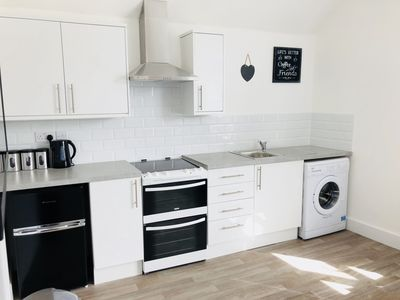 Photo for Modern Central 1 Bed Flat Close to the Beach 3B