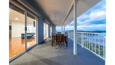 Photo for Picturesque on Passage - SUITE - Shute Harbour