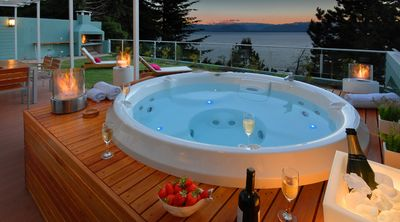 Photo for Private Jacuzzi, BBQ and lake views!