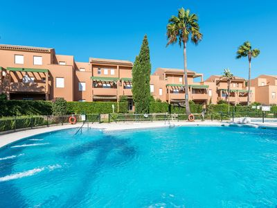 Photo for Close to the beach and with community pool - Apartment Jardin del Golf