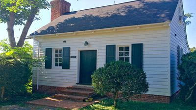 """1700""""s Summer Kitchen Cottage # 147 & pool& wifi & outdoor fire pit & grill"""