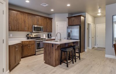 Photo for Free Wi-Fi, Poolside, hot tub, BBQ , Patio, 32 mi. from Zions!