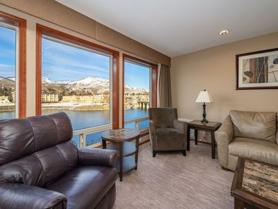 Photo for Grandview River View 640! Luxury Presidential, sleeps up to 8!