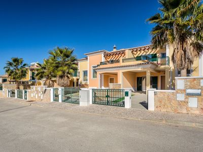 Photo for Lovely apartment with private pool, WIFI, TV, balcony, washing machine and parking