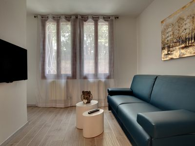 Photo for Apartment with tro bedrooms with canal view near Piazzale Roma
