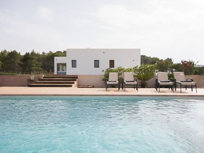 Photo for Villa with 4 bedrooms and private pool