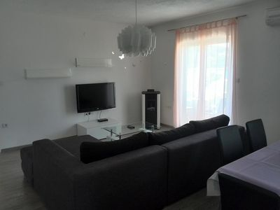 Photo for One bedroom apartment with balcony and sea view Kampor (Rab) (A-12773-d)
